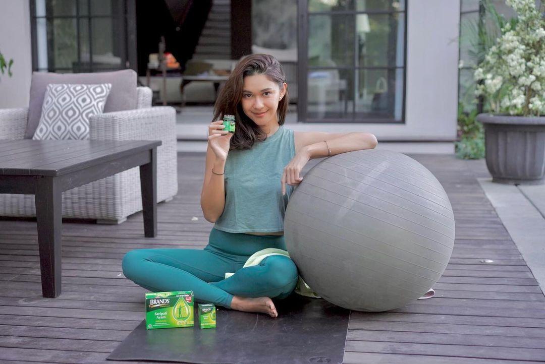 Nana Mirdad membagikan berbagai tips motivasi berolahraga dari rumah agar terhindar dari rasa bosan.
