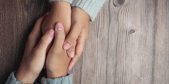 Hal-hal yang Boleh dan Tidak Dikatakan Saat Teman Melakukan Self Harm
