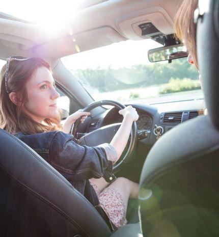 Ini Tips Aman Mengemudi Mobil Bagi Perempuan, Kamu Wajib Tahu!